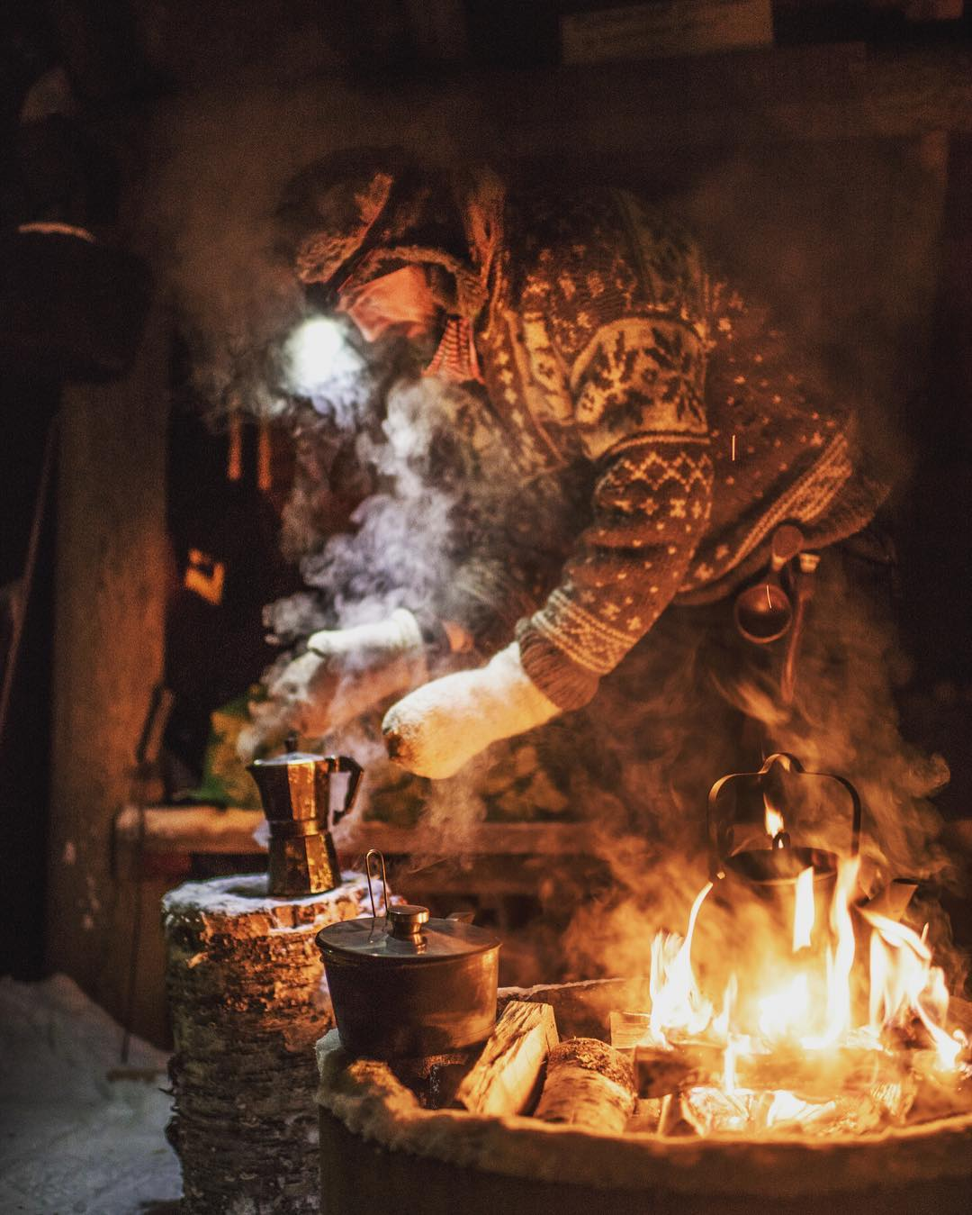 The Campfire barista preparing a delicious Latte. Picture by Otto Ponto